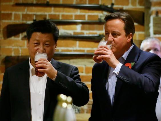 Thủ tướng Đức nuốt cá lọt top ảnh lãnh đạo ấn tượng 2015 - ảnh 6