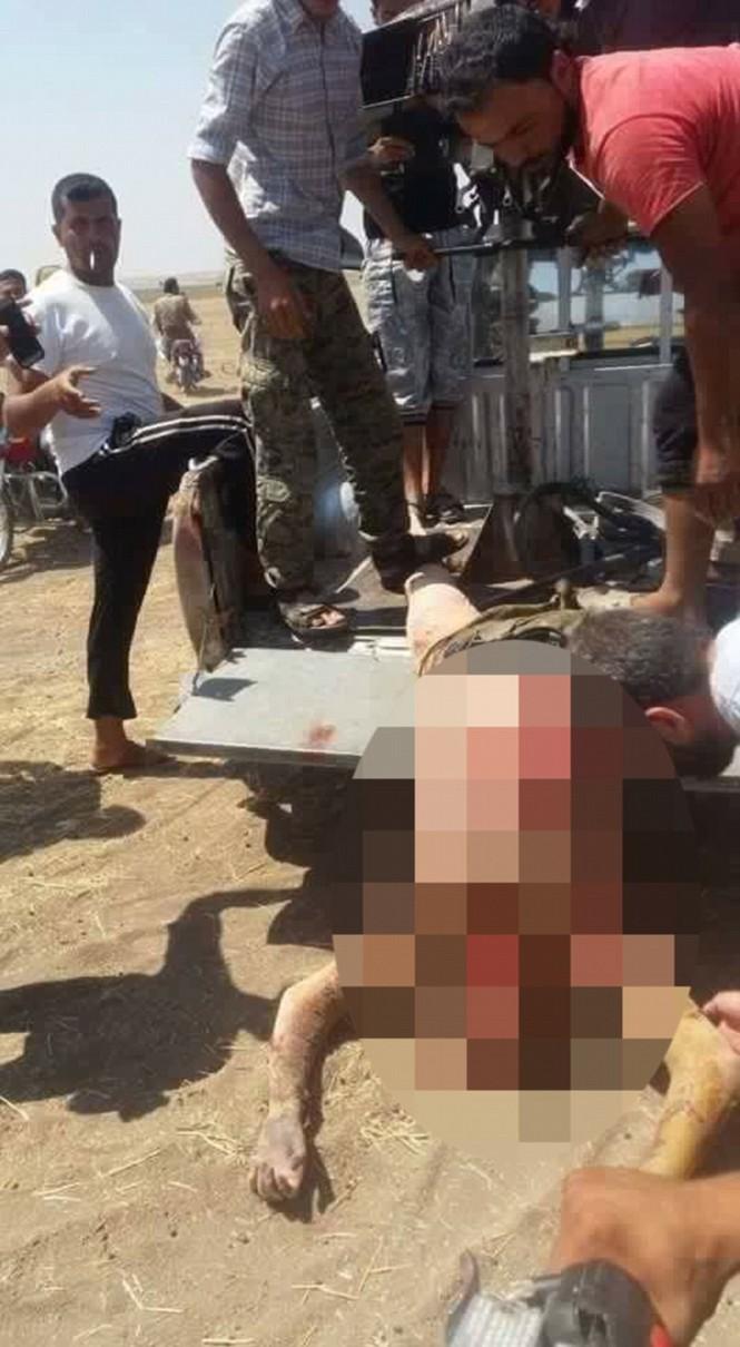 Thi thể quân nhân Nga bị kéo lê ở Syria? - ảnh 6