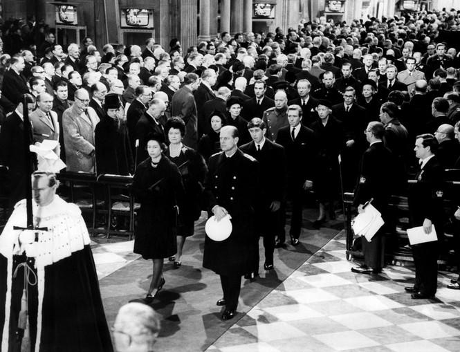 Những khoảnh khắc ấn tượng trong suốt 65 năm trị vì của Nữ hoàng Anh - ảnh 7