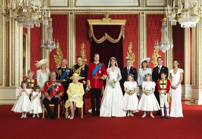Những khoảnh khắc ấn tượng trong suốt 65 năm trị vì của Nữ hoàng Anh - ảnh 20