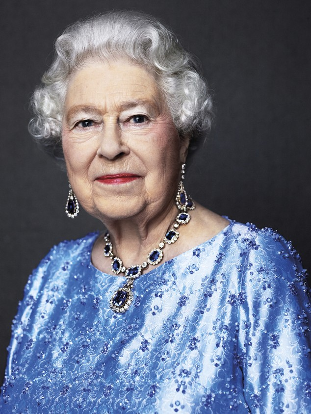 Những khoảnh khắc ấn tượng trong suốt 65 năm trị vì của Nữ hoàng Anh - ảnh 22