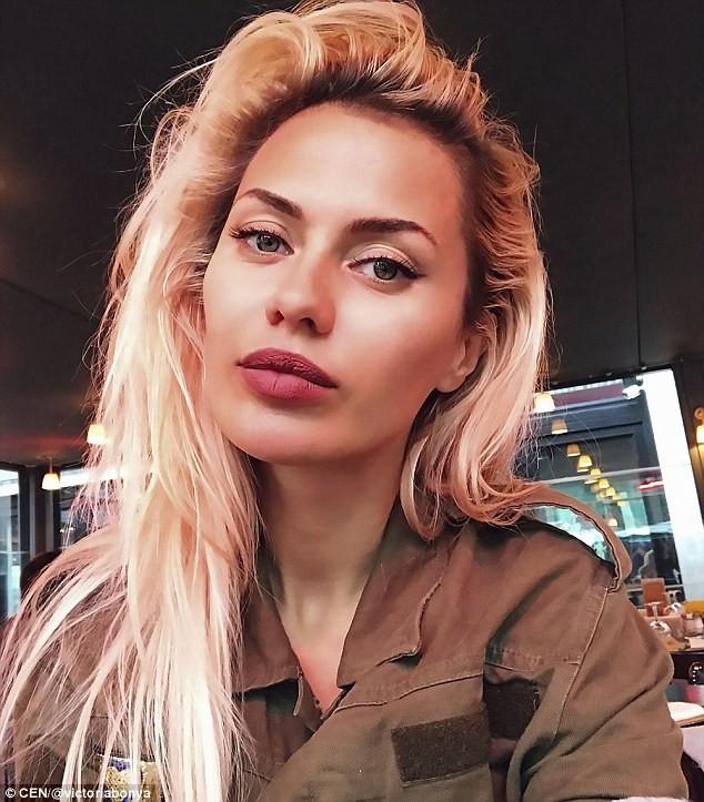 """Vẻ nóng bỏng của siêu mẫu Nga bị cảnh sát Mỹ """"sờ gáy"""" vì nghi gián điệp - ảnh 2"""