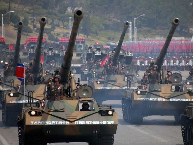 Nghi vấn tên lửa Triều Tiên xuất hiện trong duyệt binh là giả - ảnh 2