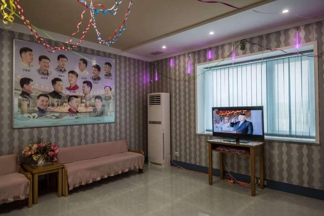Giữa tâm bão, người dân Triều Tiên vẫn bình thản lạ thường - ảnh 9