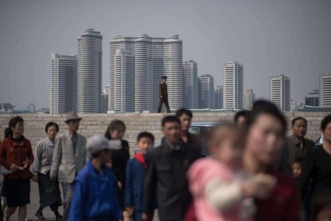 Giữa tâm bão, người dân Triều Tiên vẫn bình thản lạ thường - ảnh 11