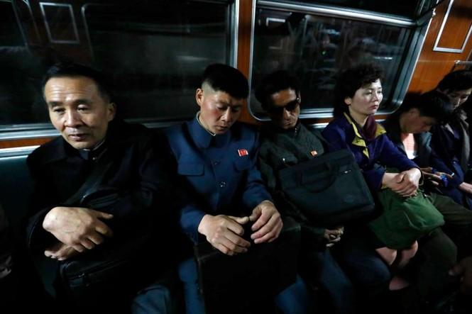 Giữa tâm bão, người dân Triều Tiên vẫn bình thản lạ thường - ảnh 4