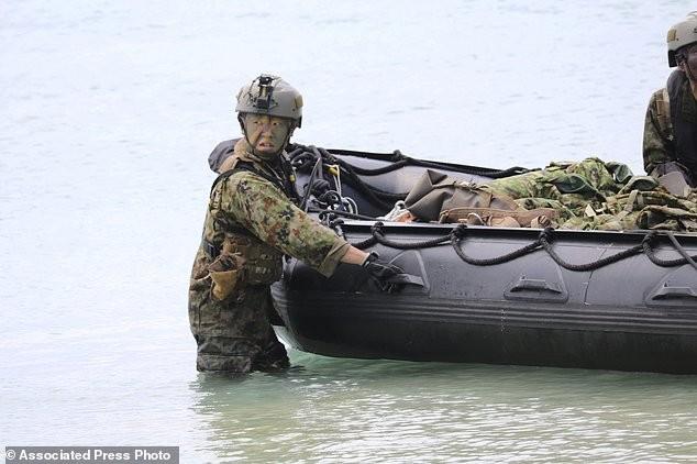 Xem lính Nhật Bản đổ bộ, đánh chiếm bờ biển - ảnh 3