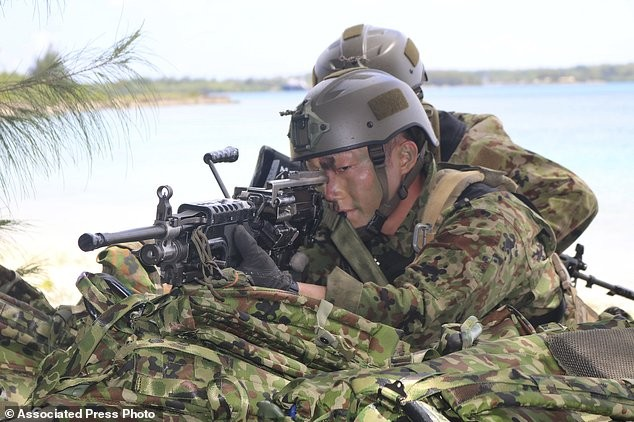 Xem lính Nhật Bản đổ bộ, đánh chiếm bờ biển - ảnh 4