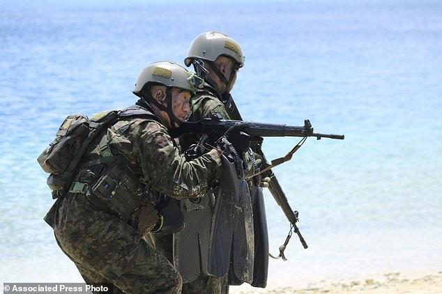 Xem lính Nhật Bản đổ bộ, đánh chiếm bờ biển - ảnh 5