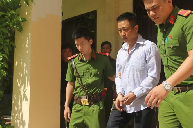 18 năm tù cho cựu trung uý cảnh sát giao thông bắn chết người - ảnh 1