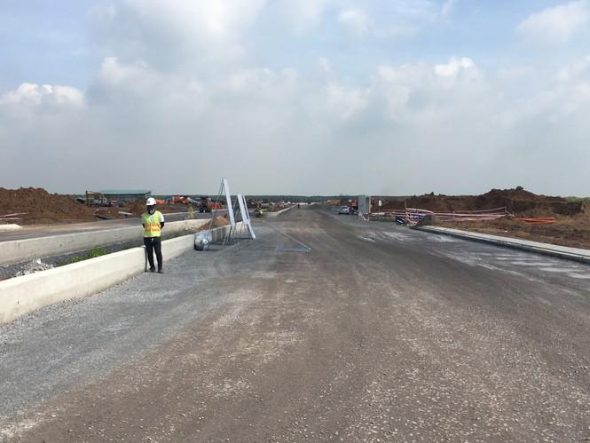 Những hộ dân đầu tiên ở vùng dự án sân sân bay Long thành nhận đất tái định cư - ảnh 1