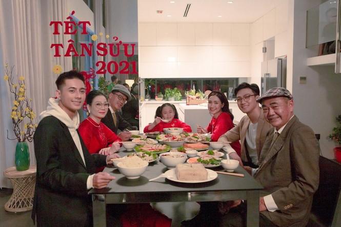 Hòa Minzy trở thành chị gái Lăng LD trong MV Tết 2021 - ảnh 3