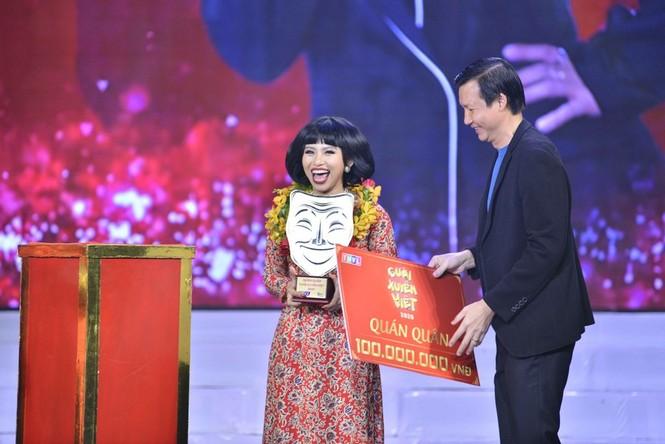 Quán quân Cười Xuyên Việt 2020 được gọi tên, NSƯT Hoài Linh bất ngờ xuất hiện trong chương trình - ảnh 1