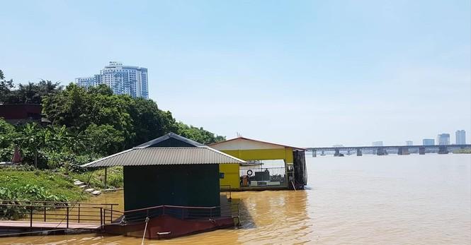 Nhà hàng trên sông Hồng: Quá hạn cưỡng chế vẫn 'án binh bất động' - ảnh 1