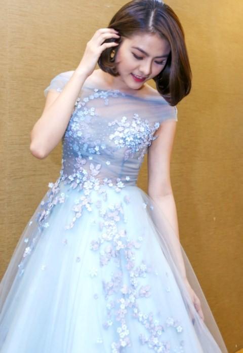 Vân Trang chi 6000 USD mua váy dự liên hoan phim tại Pháp - ảnh 3