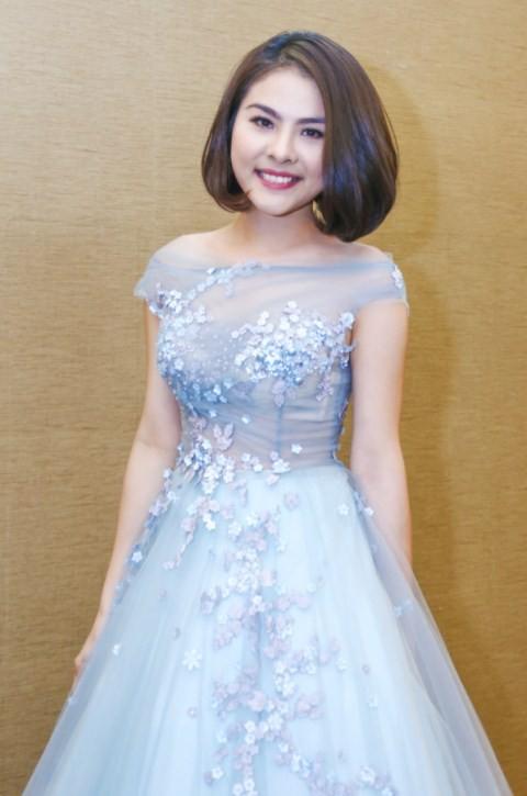 Vân Trang chi 6000 USD mua váy dự liên hoan phim tại Pháp - ảnh 4