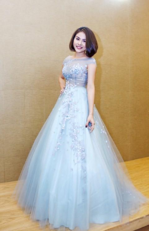 Vân Trang chi 6000 USD mua váy dự liên hoan phim tại Pháp - ảnh 6
