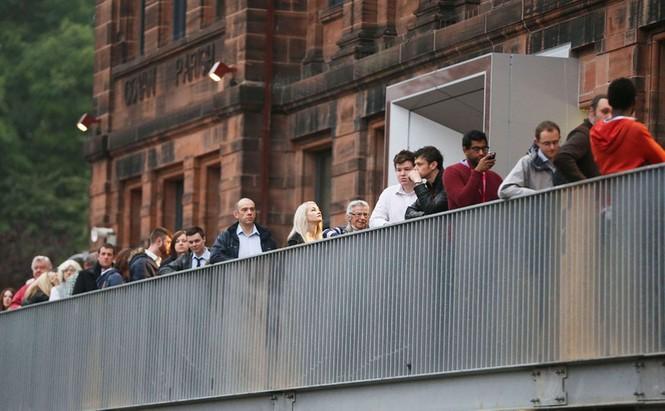 Dân Scotland đi bỏ phiếu cho 'bước ngoặt lịch sử' - ảnh 4