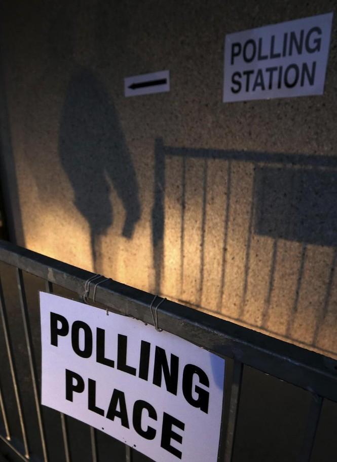 Dân Scotland đi bỏ phiếu cho 'bước ngoặt lịch sử' - ảnh 6