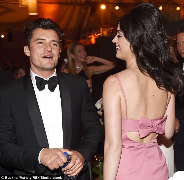Chồng cũ Miranda Kerr 'quấn quýt' Katy Perry tại sự kiện - ảnh 2