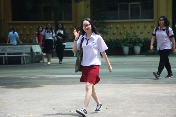 [Ảnh] Khoảnh khắc khó quên của thí sinh Sài Gòn sau môn thi cuối  - ảnh 4