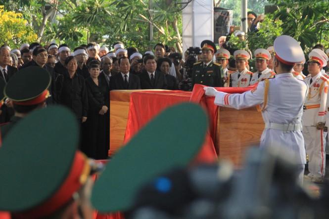 Đại tướng Lê Đức Anh an nghỉ cùng đồng đội tại Nghĩa trang Thành phố Hồ Chí Minh - ảnh 3