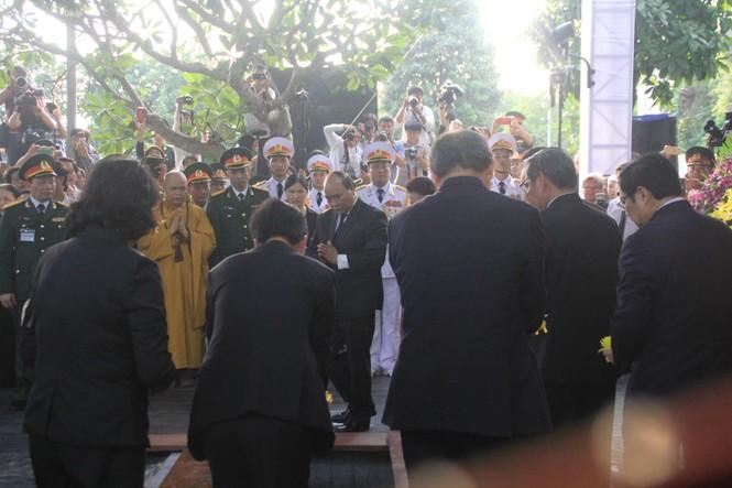 Đại tướng Lê Đức Anh an nghỉ cùng đồng đội tại Nghĩa trang Thành phố Hồ Chí Minh - ảnh 8