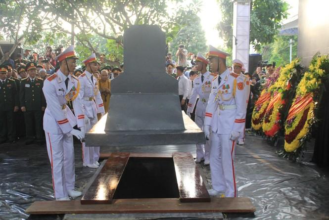 Đại tướng Lê Đức Anh an nghỉ cùng đồng đội tại Nghĩa trang Thành phố Hồ Chí Minh - ảnh 11