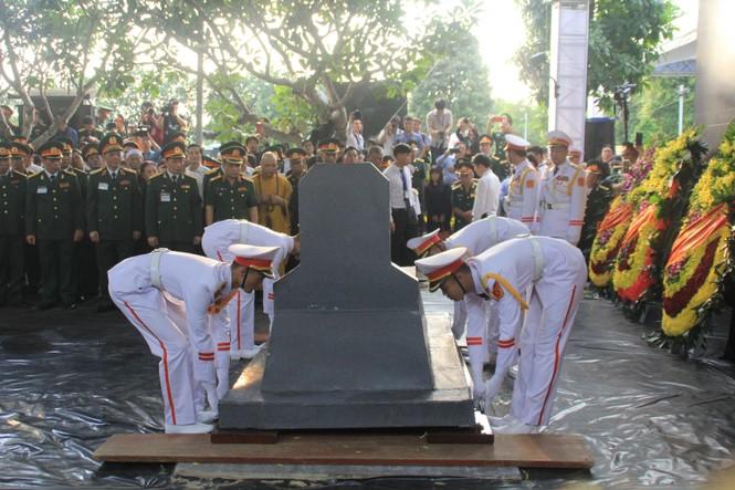 Đại tướng Lê Đức Anh an nghỉ cùng đồng đội tại Nghĩa trang Thành phố Hồ Chí Minh - ảnh 12
