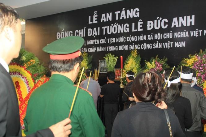 Đại tướng Lê Đức Anh an nghỉ cùng đồng đội tại Nghĩa trang Thành phố Hồ Chí Minh - ảnh 22