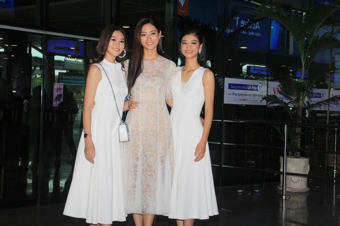 Fan vây kín Top 3 Miss World Việt Nam ở sân bay Tân Sơn Nhất - ảnh 8