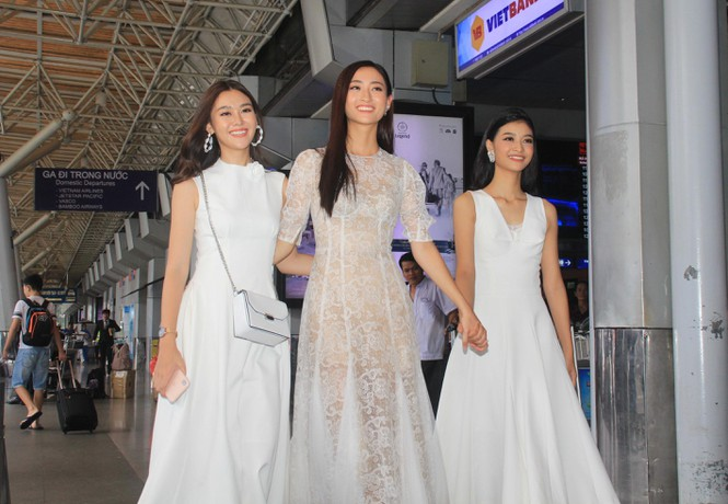 Fan vây kín Top 3 Miss World Việt Nam ở sân bay Tân Sơn Nhất - ảnh 6