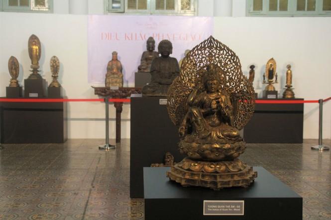 Cận cảnh hơn 100 pho tượng Phật cổ cực quý hiếm đang trưng bày tại TPHCM - ảnh 2