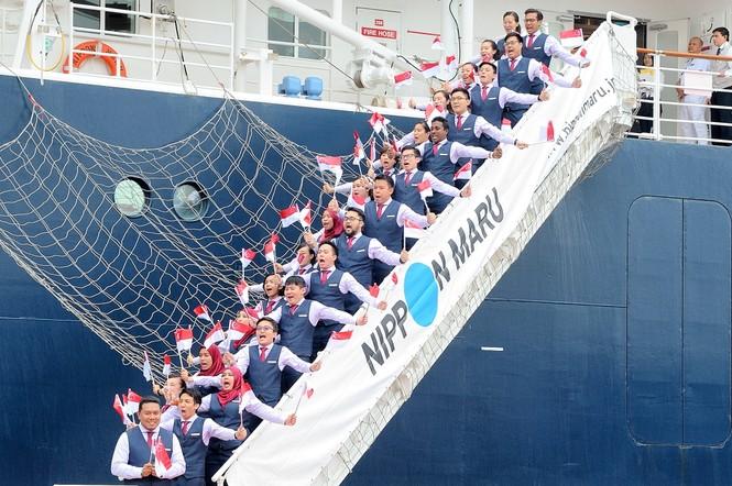 Đại biểu Tàu Thanh niên Đông Nam Á - Nhật Bản bắt đầu lưu giữ kỷ niệm tại TPHCM - ảnh 7