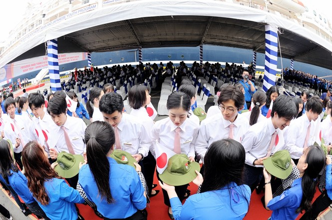 Đại biểu Tàu Thanh niên Đông Nam Á - Nhật Bản bắt đầu lưu giữ kỷ niệm tại TPHCM - ảnh 5