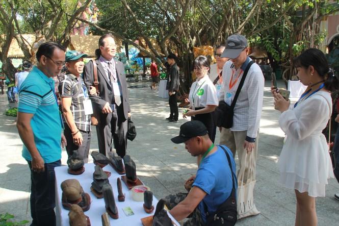 Chiêm ngưỡng các tác phẩm bonsai và đá cảnh nghệ thuật quốc tế hội tụ ở TPHCM - ảnh 27