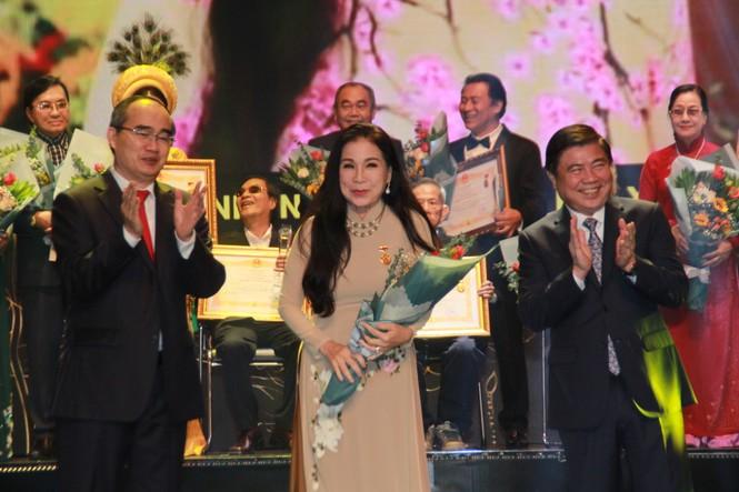 Minh Vương, Thanh Tuấn cùng dàn nghệ sĩ tề tựu ở lễ vinh danh - ảnh 4