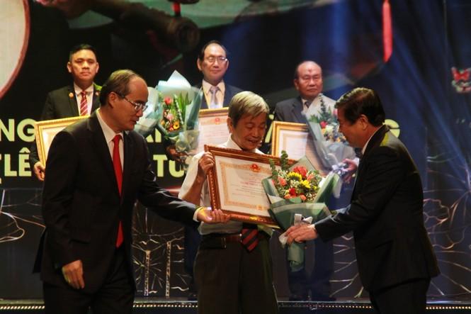 Minh Vương, Thanh Tuấn cùng dàn nghệ sĩ tề tựu ở lễ vinh danh - ảnh 8
