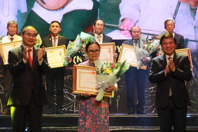Minh Vương, Thanh Tuấn cùng dàn nghệ sĩ tề tựu ở lễ vinh danh - ảnh 7