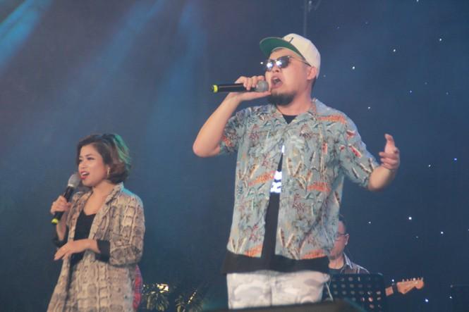 Hà Hồ, Thu Minh và các ban nhạc quốc tế hút nghìn khán giả 'cháy' đến 12 giờ đêm - ảnh 3