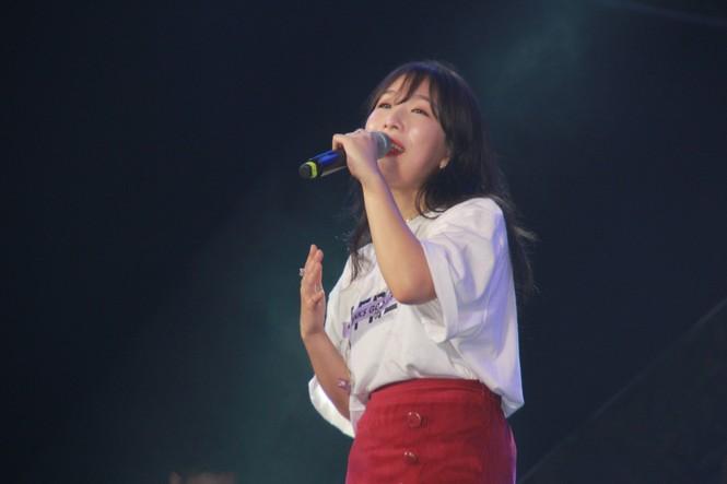 Hà Hồ, Thu Minh và các ban nhạc quốc tế hút nghìn khán giả 'cháy' đến 12 giờ đêm - ảnh 8