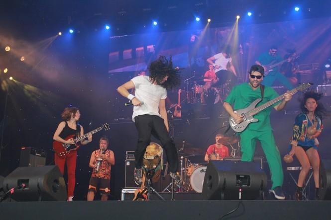 Hà Hồ, Thu Minh và các ban nhạc quốc tế hút nghìn khán giả 'cháy' đến 12 giờ đêm - ảnh 12