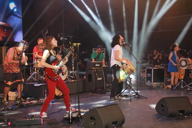 Hà Hồ, Thu Minh và các ban nhạc quốc tế hút nghìn khán giả 'cháy' đến 12 giờ đêm - ảnh 9