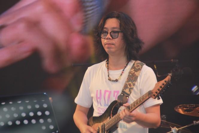 Hà Hồ, Thu Minh và các ban nhạc quốc tế hút nghìn khán giả 'cháy' đến 12 giờ đêm - ảnh 17