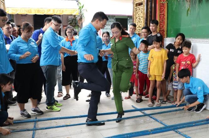 Nhiều hoạt động chăm lo tại ngày hội Thanh niên các dân tộc, tôn giáo  - ảnh 4