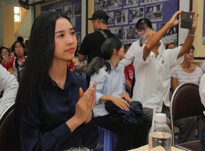 Thí sinh HHVN và các em học sinh rưng rưng tri ân thầy cô lớp học đặc biệt  - ảnh 20
