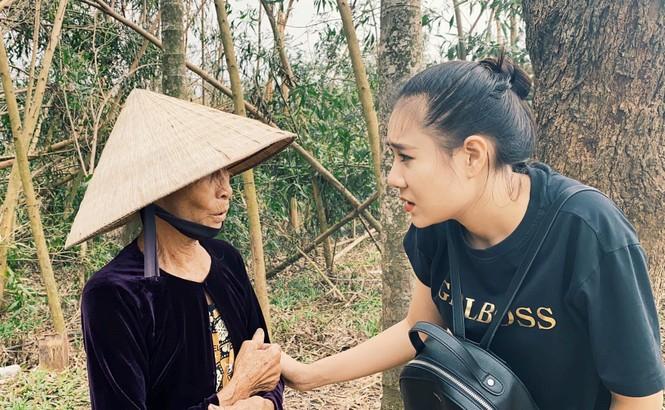 Diễn viên Hồ Bích Trâm hỗ trợ xây nhà, tặng quà bà con vùng bão lũ Quảng Ngãi - ảnh 9