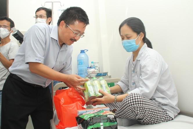 Chuyến thiện nguyện đầu tiên của Top 3 HHVN 2020 đến với các bệnh nhân, thương bệnh binh - ảnh 5
