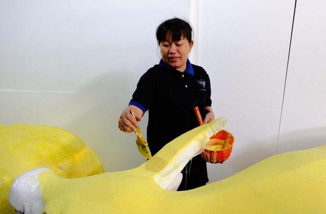 Tận thấy công đoạn chế tác linh vật phục vụ đường hoa Nguyễn Huệ Tết Tân Sửu 2021 - ảnh 5