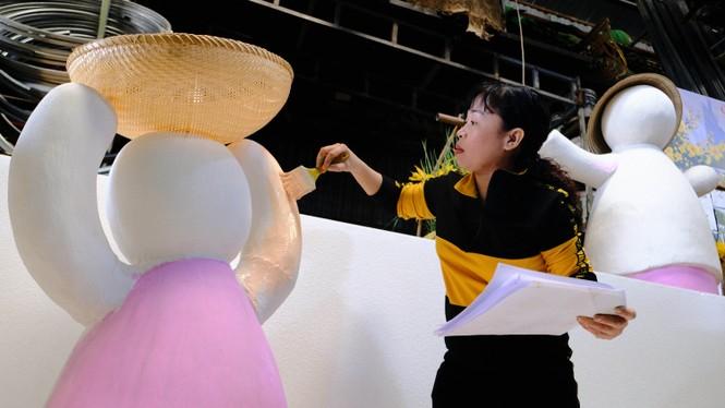 Tận thấy công đoạn chế tác linh vật phục vụ đường hoa Nguyễn Huệ Tết Tân Sửu 2021 - ảnh 16